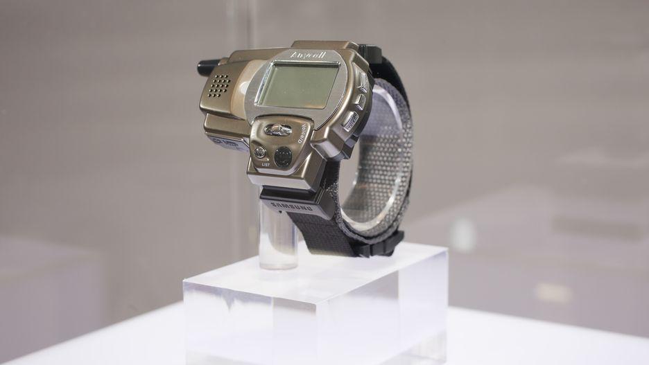 cd12972bb1de El primer reloj de pulsera con capacidad de realizar llamadas – PC ...